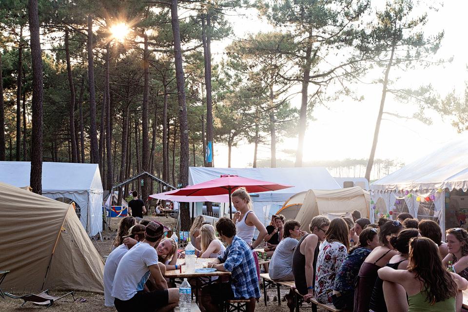 Zusammen den Abend geniessen im Surfcamp Carcans Jetzt buchen