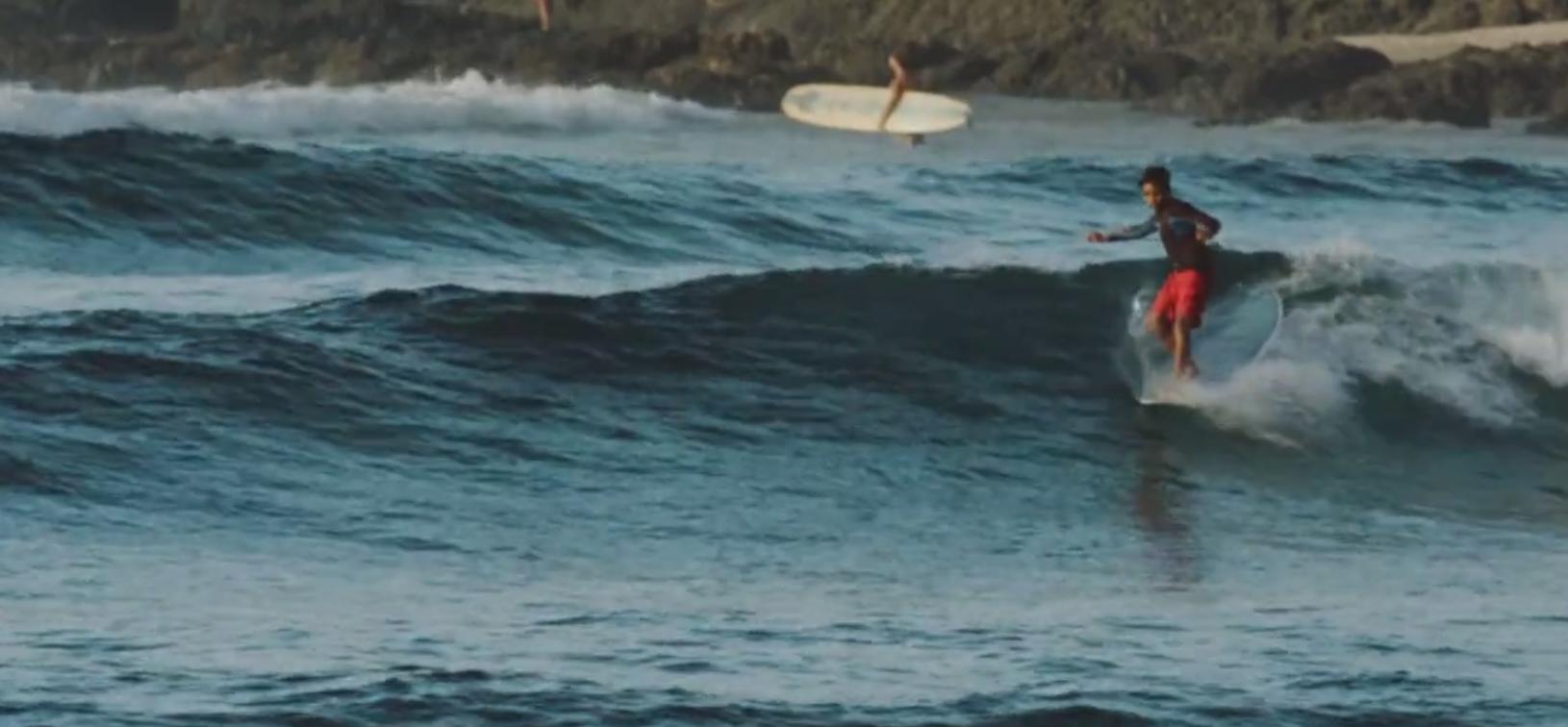 Lernt Bernie Prendergast kennen einen 14-jährigen Surfer aus Byron Bay